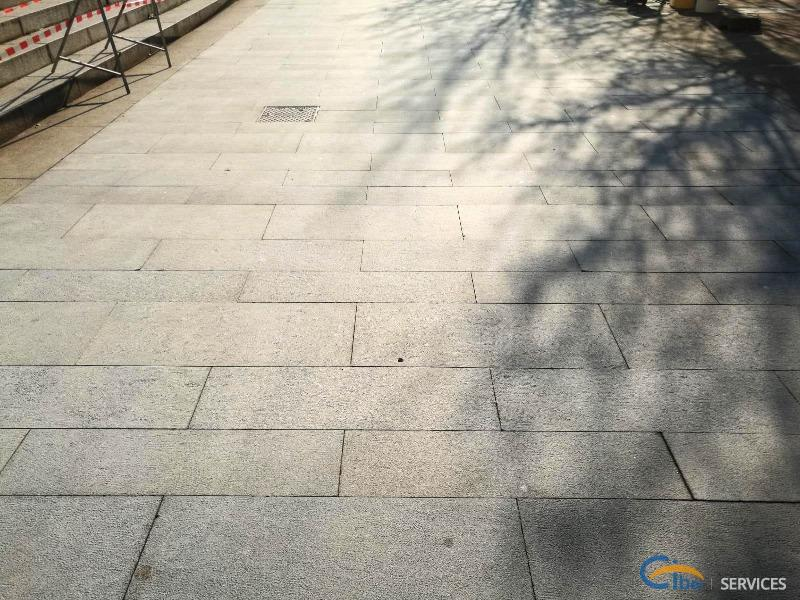 Restoration of pavement in central square of Seregno (MB)