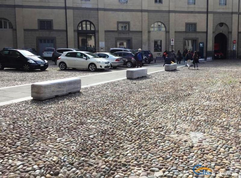 Protective treatment of benches and plinths in Arabescato Orobico (Bergamo - Center)